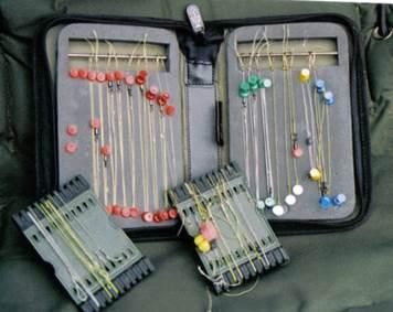 приспособление для хранения поводков на рыбалке